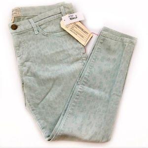 Current/Elliot Stiletto Leopard Print Ankle Jeans